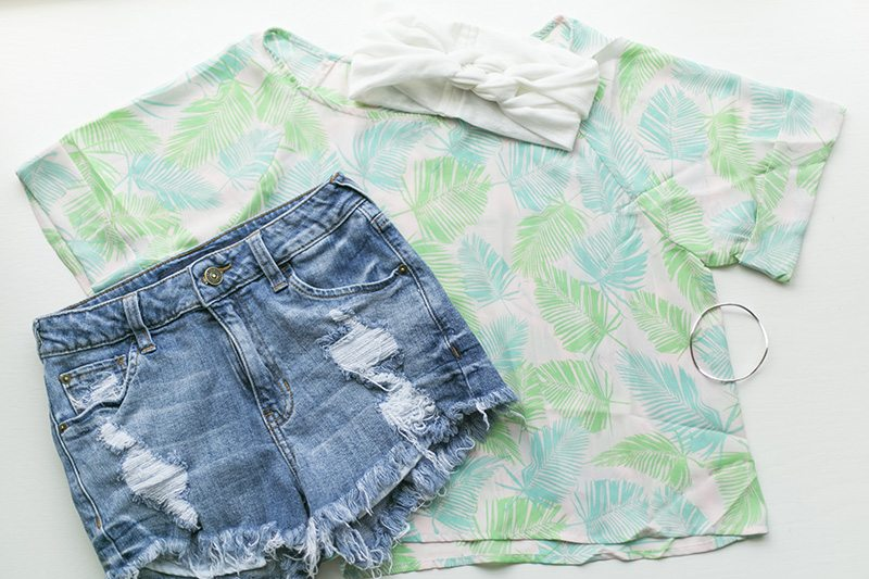 Palm Leaves Crop Top giveaway from Think Elysian Boutique - www.thinkelysian.com