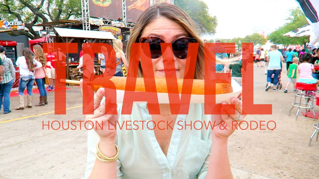 Tourist in my hometown series: Houston Livestock Show and Rodeo! See what carnival eats I am snacking on at RodeoHouston! // thinkelysian.com