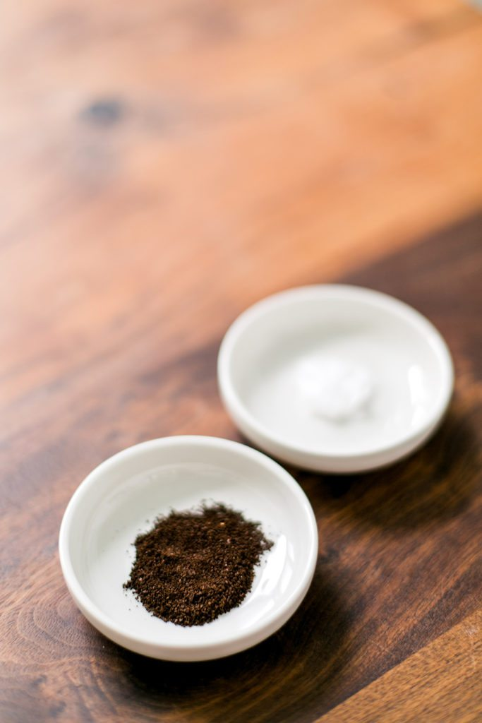 At Home DIY Coffee Scrub & Mask - Perfect anti-cellulite scrub! // thinkelysian.com