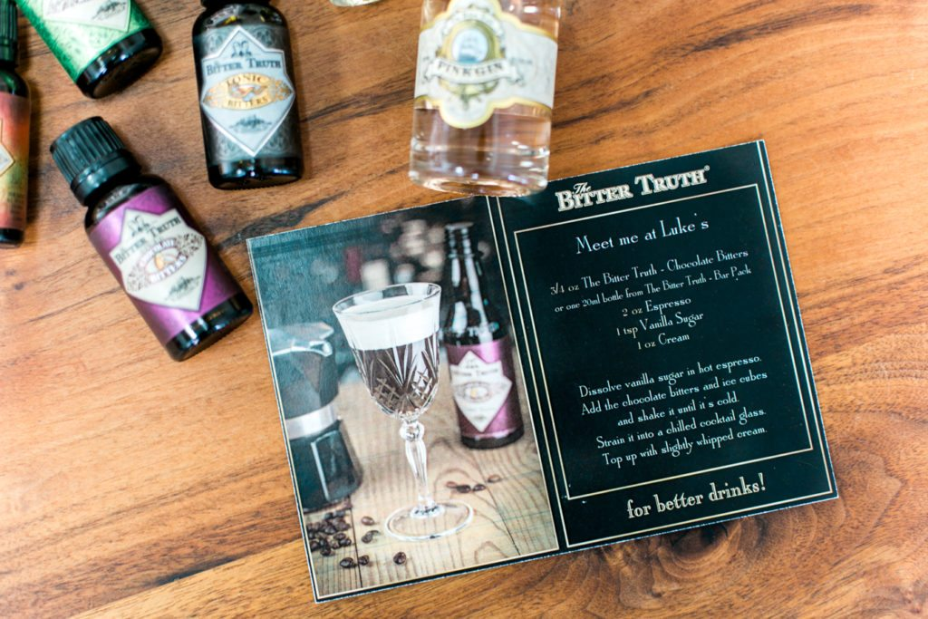 Gilmore girls inspired coffee cocktail recipe perfect for your Gilmore Girls revival watch party! // thinkelysian.com